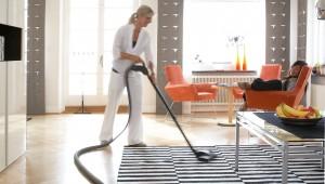 Centraldammsugaren leder ut luften genom en ventil på utsidan av huset efter filtrering, vilket onekligen gör att man slipper dammsuga upp samma damm en gång till. En annan aspekt är att man förutom mikrodamm slipper dålig lukt ur dammsugaren.